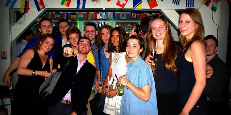 ERASMUS AFTERSCHOOL & EXPAT AFTERWORK