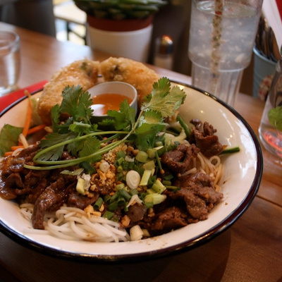 James Bún, la street food franco-vietnamienne s'installe aux Batignolles