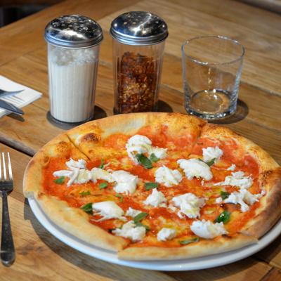 Anna & Jo's Pizza : la vraie pizza américaine débarque à Paris !