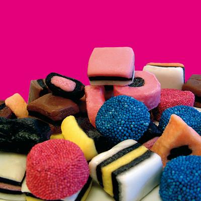 La Journée des Petits Plaisirs revient à Paris pour distribuer des bonbons !