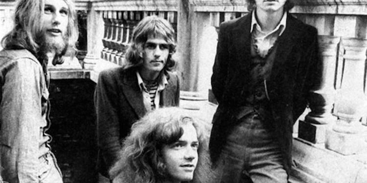 Wishbone Ash + mante en concert