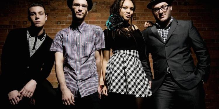 The Skints + Hollie Cook en concert