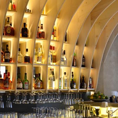 Gravity Bar : le bar à cocktails qui va vous faire surfer
