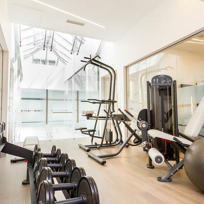 CWHITE : Stéphane Demouy se lance dans la gym haute couture