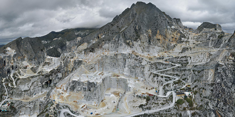 """Edward Burtynsky - """"Mounds and Voids: From Human to Global Scale"""""""