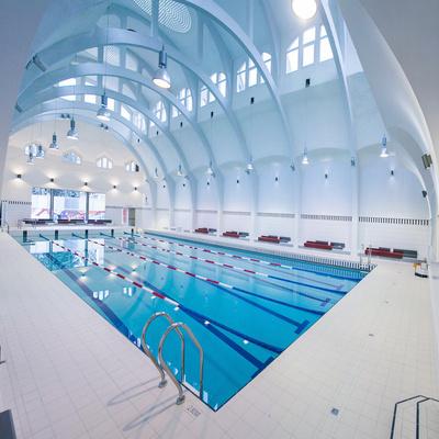Les 10 plus belles piscines à Paris