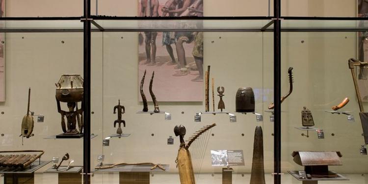 Visite timbrée au Musée de la musique : À poil et à plumes !