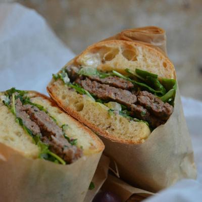 Mulko, street food et assiettes méditerranéennes rue d'Enghien
